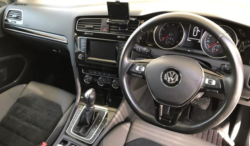 Volkswagen Golf 1.2 TSI 2013 полный